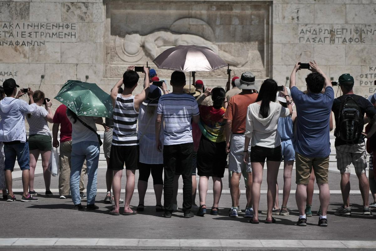 Capital controls: Οι τουρίστες εξαιρούνται