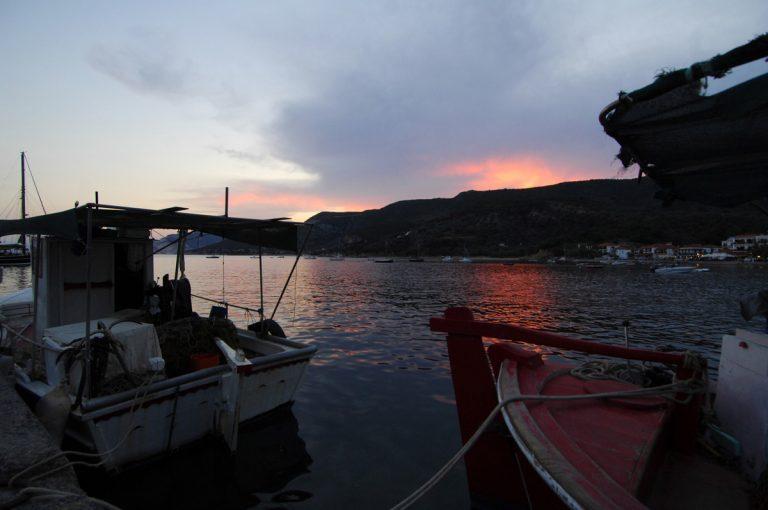 Έβρος: Μετέφερε με βάρκα 13.500 λαθραία φιαλίδια υγρού για ηλεκτρονικό τσιγάρο!