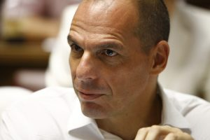 Βαρουφάκης: Κατάλληλο μέρος για ψυχοπαθείς το Eurogroup – Μαριονέτες όλοι στα χέρια του Σόιμπλε