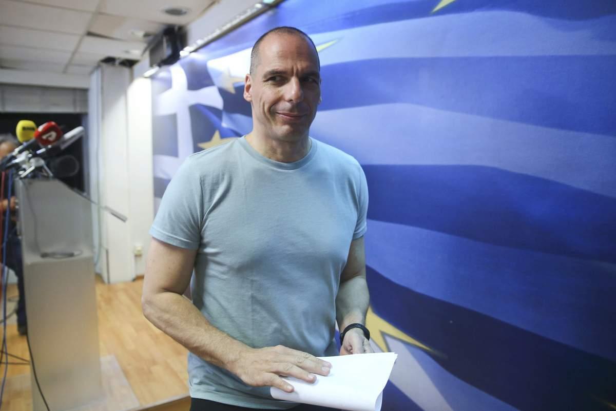 """Βαρουφάκης για τα αποτελέσματα του δημοψηφίσματος: """"Με το ΟΧΙ τείνουμε χείρα συνεργασίας στους εταίρους μας"""""""