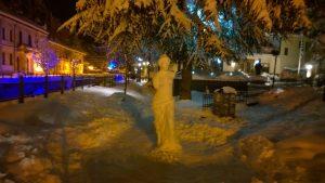 Καιρός: Η Αφροδίτη της Φλώρινας – Γλυπτό στα χιόνια που μαγεύει [pics]
