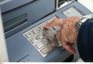 Χαράτσι στις τραπεζικές συναλλαγές – Τι θα γίνει με τους νέους φόρους