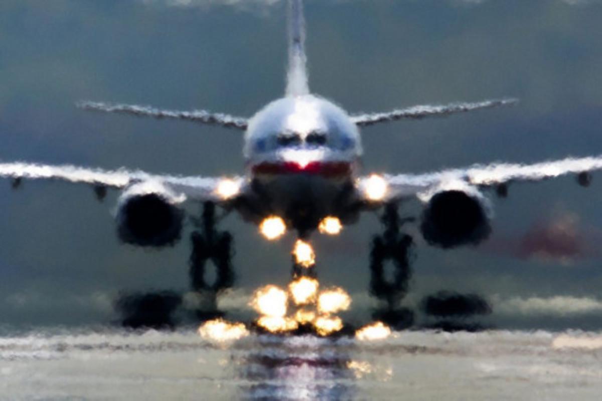 Ηράκλειο: Περιπέτεια στον αέρα – Λιποθύμησε πριν την προσγείωση!