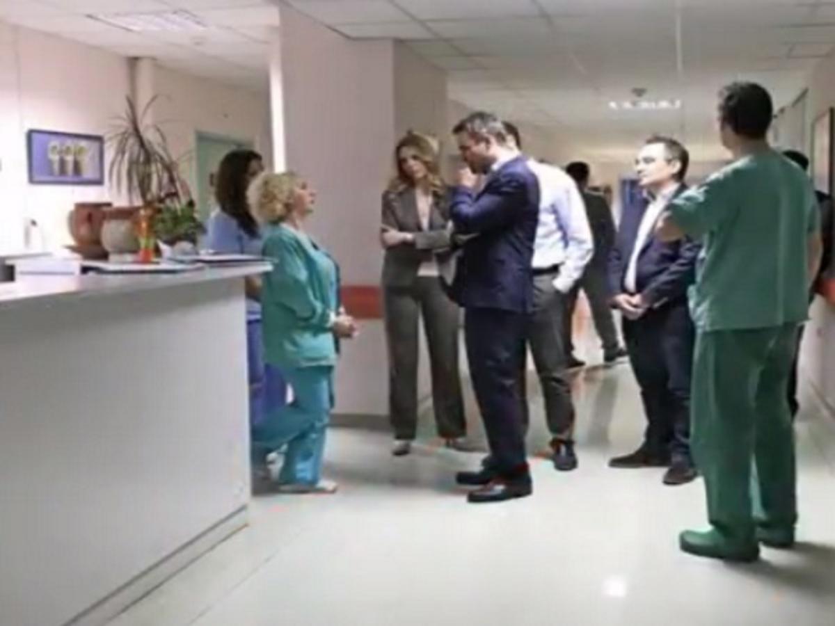 """Αιφνιδιαστική επίσκεψη Κυριάκου Μητσοτάκη στο Νοσοκομείο Παίδων """"Αγία Σοφία"""" [vid]"""