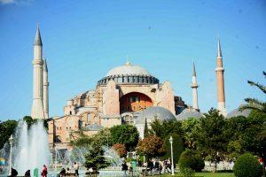 Κρις Σπύρου σε Ερντογάν: Να πας στην Αγιά Σοφιά να προσευχηθείς – Είναι εκκλησία, δεν είναι μουσείο