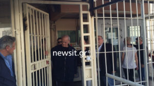 Άκης Τσοχατζόπουλος: Πώς ο παραλίγο πρωθυπουργός βρέθηκε πίσω από τα κάγκελα της φυλακής!