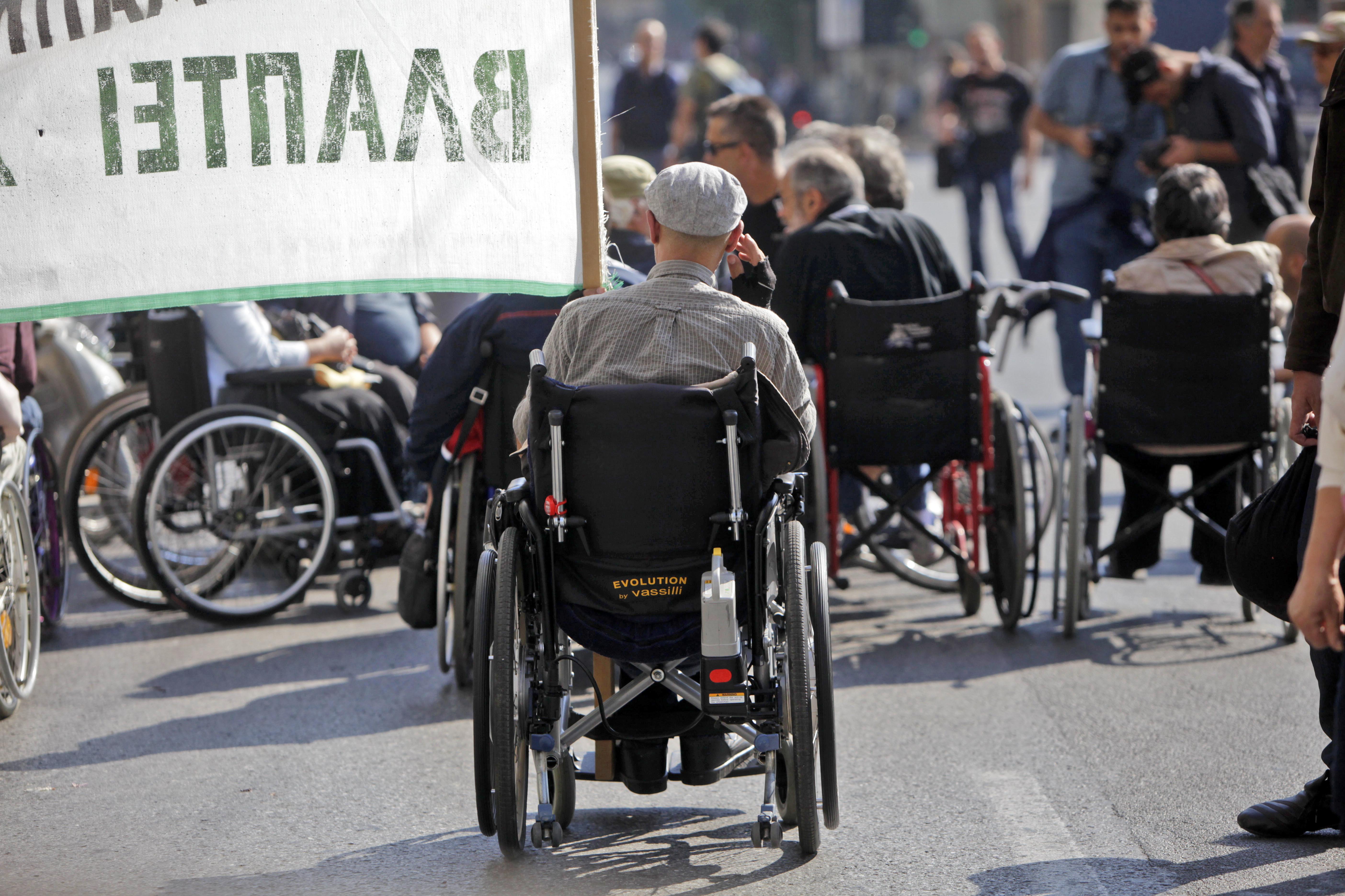Αυτές είναι οι δύο νέες ρυθμίσεις του υπ. Οικονομικών για τη στήριξη των ατόμων με αναπηρία