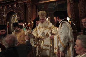 """""""Ξεμάλλιασμα"""" σε κλίμα… κατάνυξης μεταξύ ΣΥΡΙΖΑ – ΑΝΕΛ – εκκλησίας για το """"άγιο φως"""""""