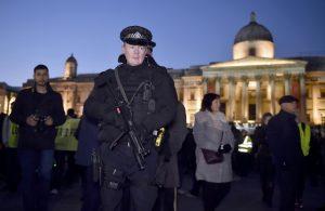 """Νέος συναγερμός στο Λονδίνο! """"Υποπτο πακέτο"""" στη γέφυρα του Westminster"""