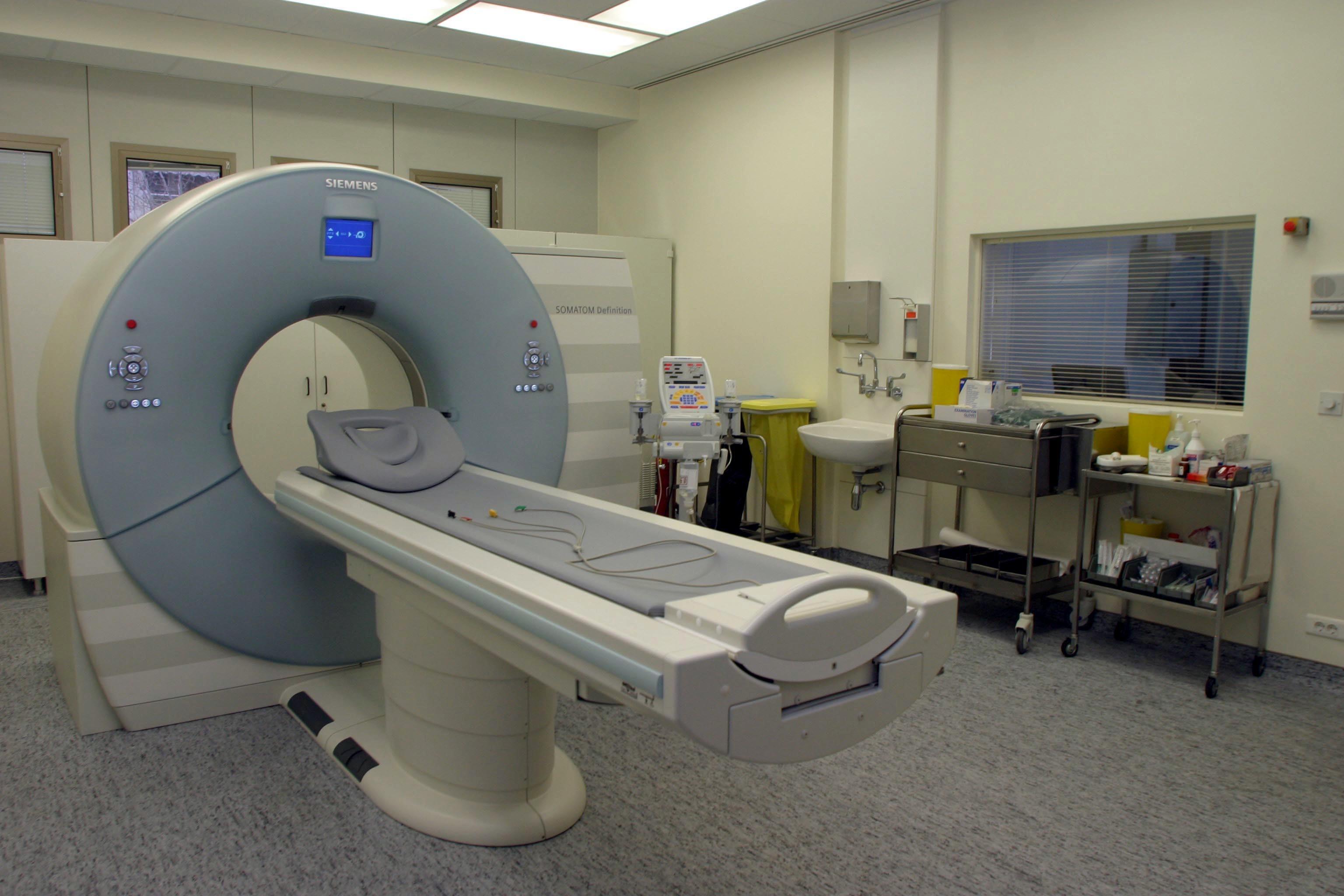 ΕΟΠΥΥ: Τι αλλάζει σε μαγνητικές, αξονικές και μαστογραφίες