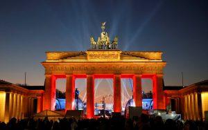 """Βερολίνο: Πρωτοχρονιά με δρακόντεια μέτρα ασφαλείας! Μέρκελ: """"Σοβαρό τεστ"""""""