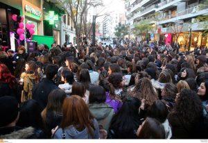 Black Friday με ουρές σε Αθήνα, Θεσσαλονίκη, Ηράκλειο και Λαμία [pics, vids]