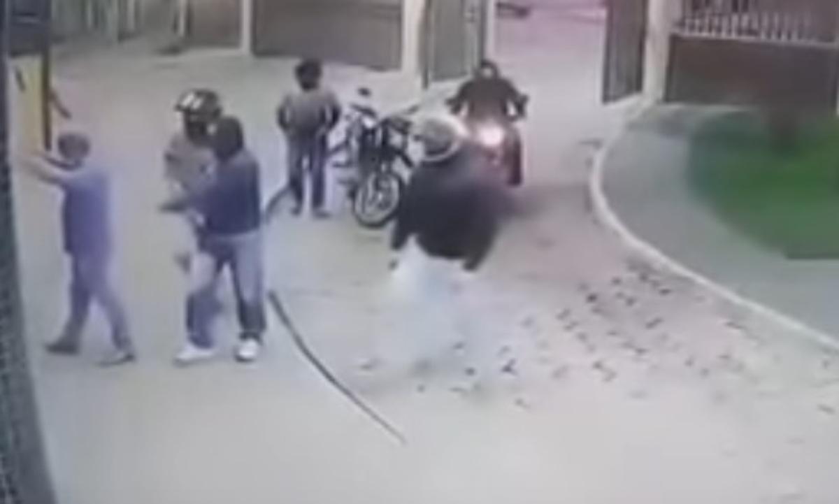 Βίντεο σοκ! Εκτέλεσαν ακτιβιστή μέσα σε νοσοκομείο