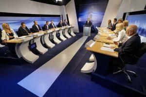 Debate πολιτικών αρχηγών – Όλο το παρασκήνιο μίας άνευρης τηλεμαχίας – Οι κόντρες και οι στιγμές γέλιου