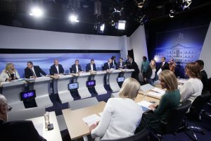 Debate πολιτικών αρχηγών: η τηλεθέαση, η αποχή και οι… αναποφάσιστοι τηλεθεατές