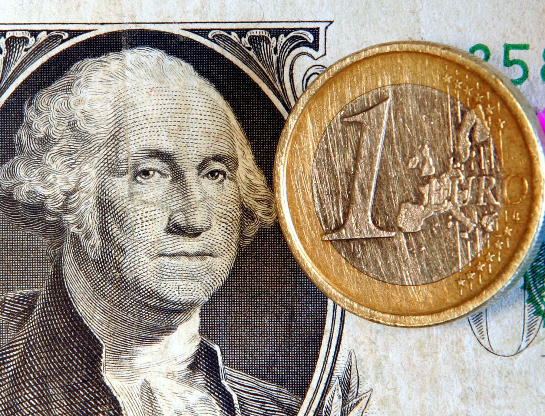 Ισοτιμία Ευρώ - Δολαρίου ΦΩΤΟ EUROKINISSI