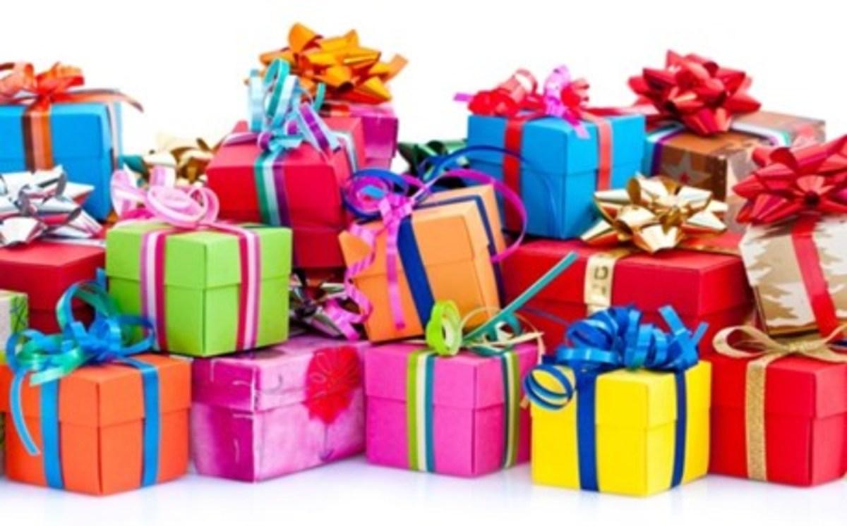 Οι αγοραστικές συνήθειες των Ελλήνων στις γιορτές - Τα καλύτερα και τα  χειρότερα δώρα