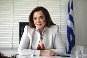 """Ντόρα Μπακογιάννη: """"Αντισυνταγματικά τα μέτρα! Θα καταπέσουν στα δικαστήρια"""""""