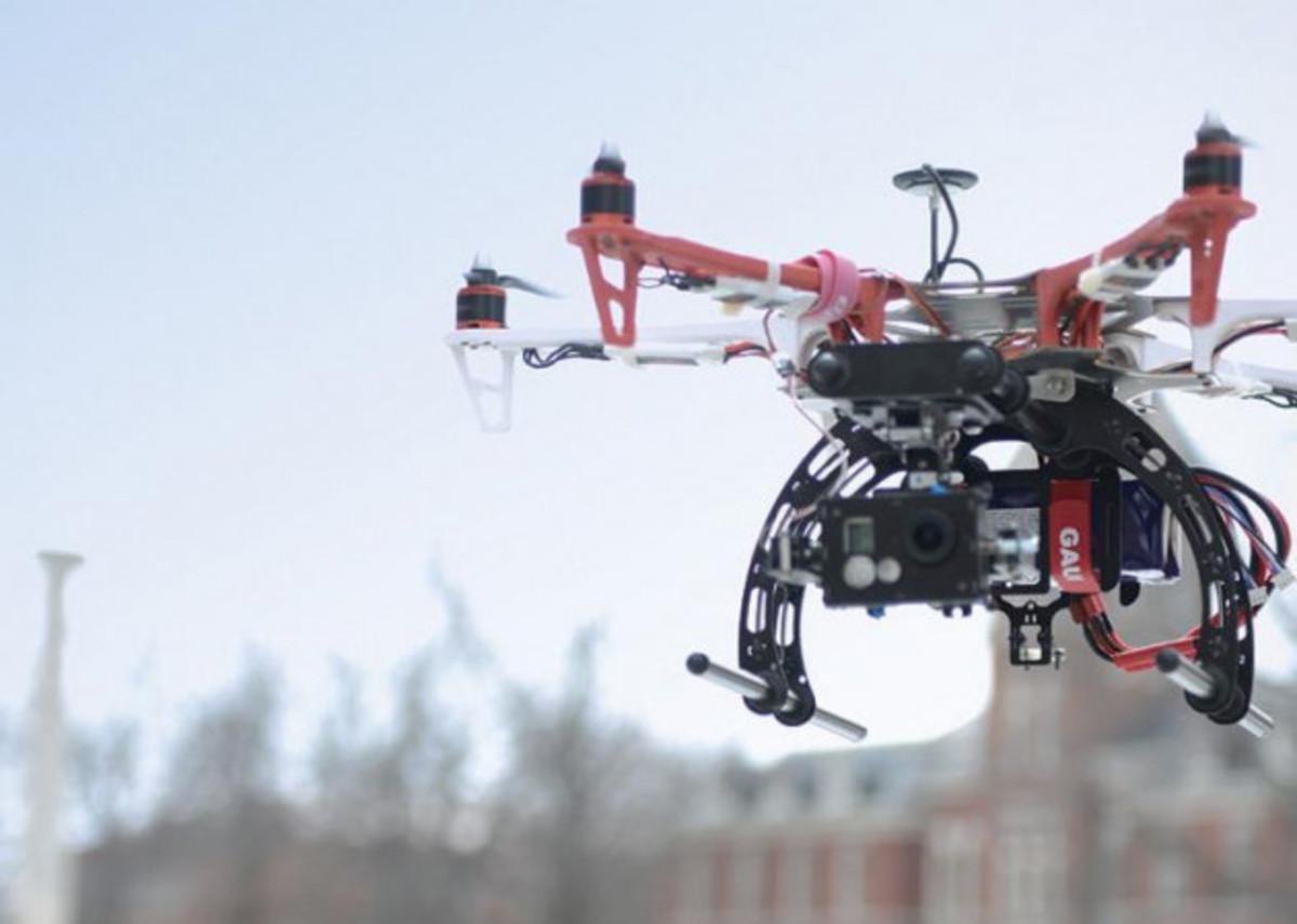 """""""Σαρωτικές"""" αλλαγές στην χρήση και τους κανονισμούς των drones"""