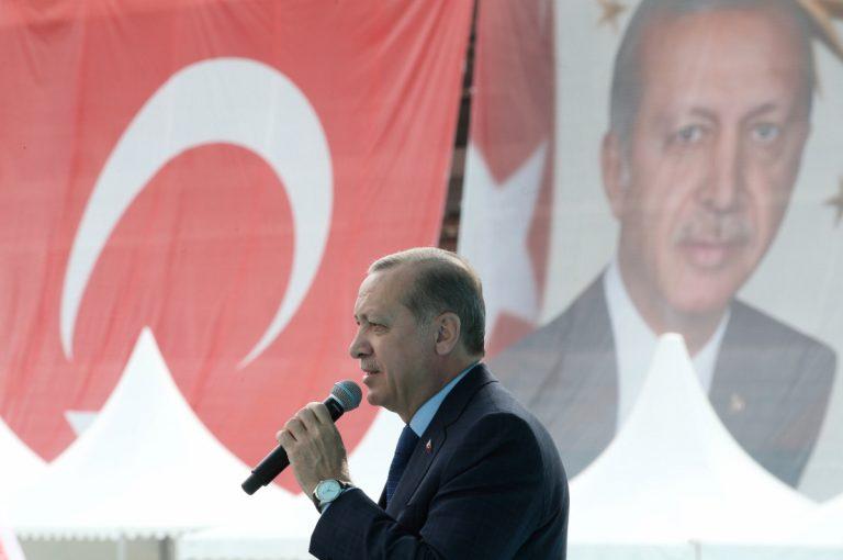 """Τουρκία: Απαγόρευση εξόδου σε 100 Ολλανδούς επειδή επέκριναν τον """"σουλτάνο""""!"""