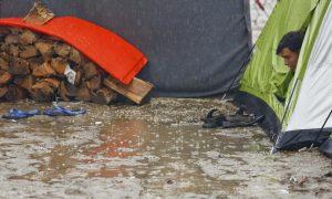 Απελπισία στην πλημμυρισμένη Ειδομένη – Συγκλονιστικές φωτογραφίες!