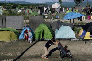 Αυτοί είναι οι χώροι έξω από τη Θεσσαλονίκη στους οποίους θα μεταφέρουν 4.500 πρόσφυγες μέσα σε 10 μέρες