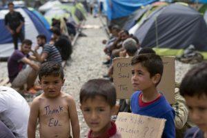 Στην Ειδομένη ο ειδικός εισηγητής των Ηνωμένων Εθνών για τα ανθρώπινα δικαιώματα των μεταναστών Φρανσουά Κρεπό