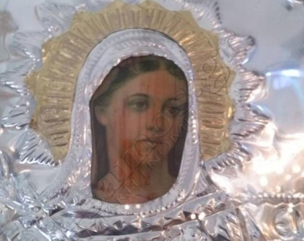 Σάμος: Η εικόνα της Παναγίας που προκαλεί δέος στους πιστούς!