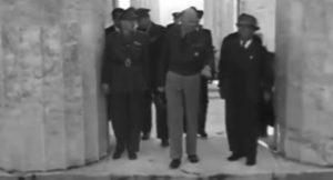 Ομπάμα στην Αθήνα: Βίντεο του ΚΚΕ για την ιστορία των επισκέψεων Προέδρων των ΗΠΑ [vid]