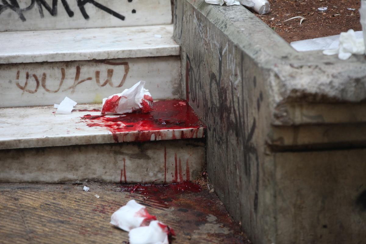 """Η προκήρυξη """"δείχνει"""" τους δράστες της δολοφονίας Χαμπίμπι; Πως συνδέονται η εκτέλεση των Χρυσαυγιτών στο Ν. Ηράκλειο και η δολοφονία δεσμοφύλακα"""