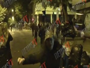 Ομπάμα στην Αθήνα: Η Ελένη Λουκά στα επεισόδια στα Εξάρχεια! [vid]