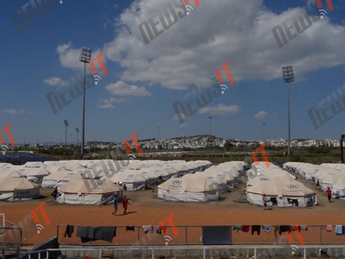 """Αεροδρόμιο """"Προσφυγικού"""" – Ασφυξία στο Ελληνικό – Άθλιες συνθήκες για χιλιάδες ανθρώπους"""