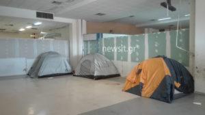 Εγκαταλείπουν το Ελληνικό οι πρώτοι πρόσφυγες – Εκκενώνεται η δομή μέχρι την Κυριακή