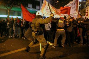 Επίσκεψη Ομπάμα: Καρέ – καρέ τα επεισόδια από τις συγκεντρώσεις στην Αθήνα [pics, vid]