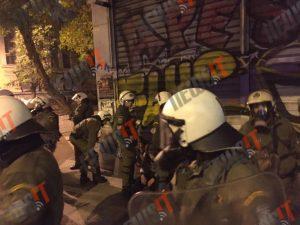 Επεισόδια Πολυτεχνείο: Σύλληψη αντιεξουσιαστή μπροστά στην κάμερα [pic,vid]