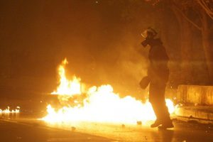 Πολυτεχνείο: Δύο στην εισαγγελία για τα χθεσινά επεισόδια στη Θεσσαλονίκη