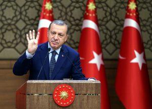 Ο Ερντογάν άρχισε να συλλαμβάνει και πρώην υπουργούς του! Χτύπημα και στις επιχειρήσεις που συνδέονται με τον Γκιουλέν