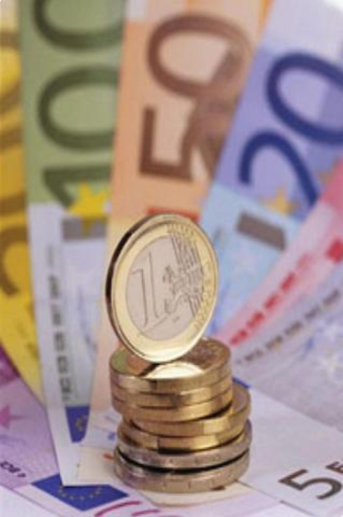 Ρευστοποιεί το Δημόσιο για να καλύψει χρέη