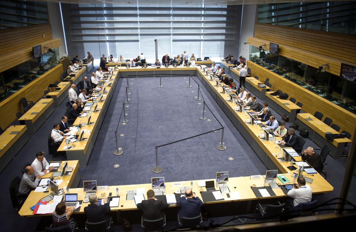 """Δύσκολη συμφωνία στο Eurogroup! Δόσεις με """"εποπτεία"""" και με διορθώσεις σε νομοσχέδια – Ουσιαστικά μέτρα για το χρέος από το 2018 – Νέα προαπαιτούμενα"""