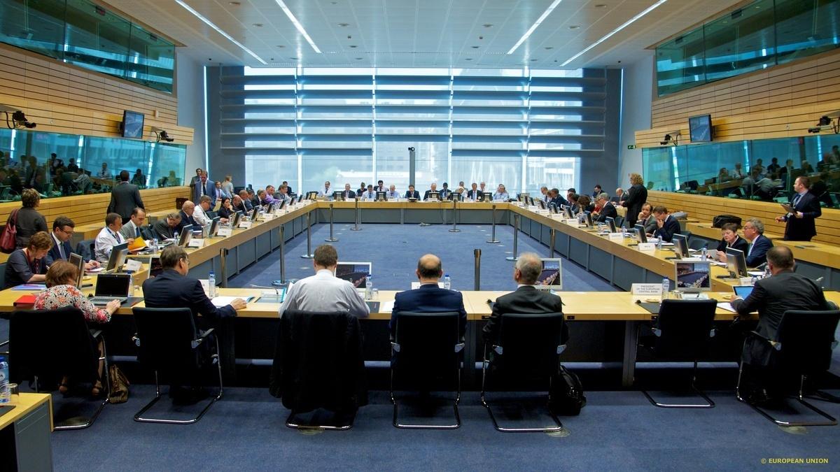 "Eurogroup τέλος! Ολοκληρώθηκε η συνεδρίαση χωρίς αποτέλεσμα! – Βαρουφάκης: Δεν ""πέρασε"" ούτε η πρόταση των Θεσμών – Μέρκελ: Βρείτε τα πριν τη Δευτέρα!"