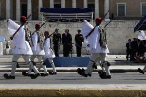 Παρέλαση 25ης Μαρτίου: Υπερηφάνεια και συγκίνηση για τους Εύζωνες! [vid, pics]