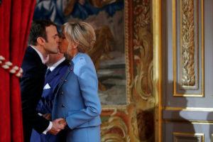 Μαρκόν – Τρονιέ: Το τρυφερό φιλί στο μέγαρο των Ηλυσίων [pics]