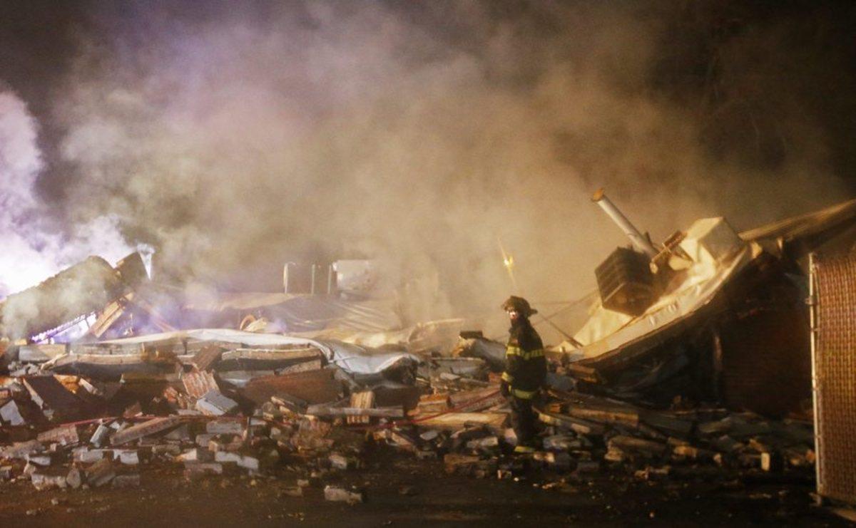 """""""Έκαψαν"""" το Φέργκιουσον μετά την απόφαση για την υπόθεση Μπράουν – Πυροβολισμοί και πλιάτσικο – Αστυνομία: Αναπάντητα τα πυρά αλλιώς θα είχαμε νεκρούς"""