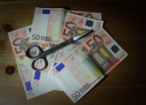 Φοροαπαλλαγές τέλος! Τσεκούρι σε εκατοντάδες από αυτές – Κόφτης και στον μειωμένο ΕΝΦΙΑ!