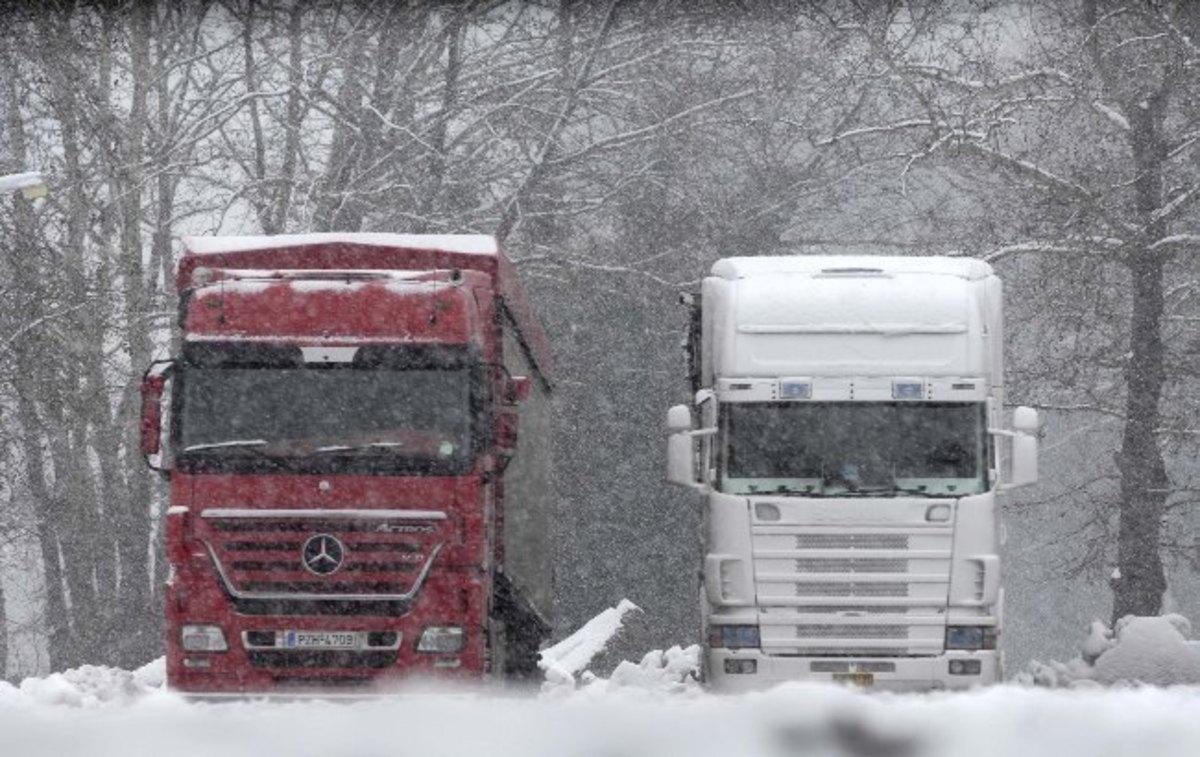 ΟΑΕΕ: Πότε εξαιρούνται από την ασφάλιση οι ιδιοκτήτες φορτηγών