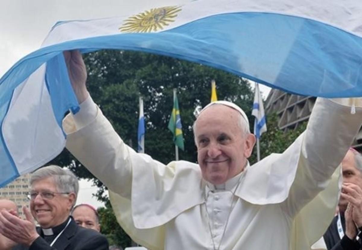 """""""Επίθεση"""" κληρικών στον Πάπα Φραγκίσκο: Είναι αιρετικός!"""