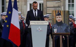 """Συγκινεί ο σύντροφος του νεκρού Γάλλου αστυνομικού: """"Δεν θα έχετε το μίσος μου"""""""