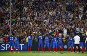 """Euro 2016: Οι Γάλλοι έκαναν πράξη το Germanexit! """"Καθάρισαν"""" τους Γερμανούς"""