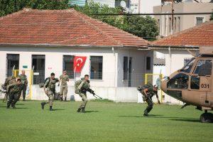 Τουρκία – πραξικόπημα: Κρατούνται δύο Στρατηγοί! (ΦΩΤΟ)