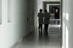 """Κατερίνη: Στο νοσοκομείο 15χρονη – Υποψίες για το επικίνδυνο """"παιχνίδι"""" """"Μπλε φάλαινα""""!"""